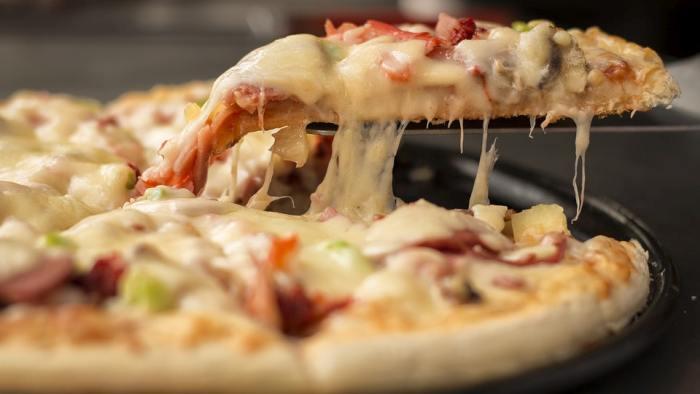 four pizza repas